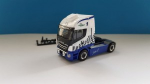 Herpa 309639 Iveco Stralis Highway XP Hahn Racing 1:87