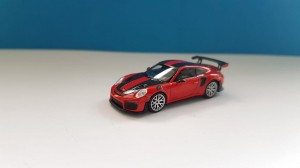 Minichamps 870068126 Porsche 911 GT2 RS 2018 red with carbon stripes 1:87
